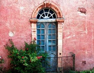 INNES blue_door_provence